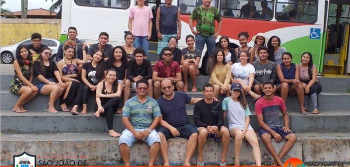 Estudantes do IFPA visitam berçário natural de aves ameaçado no litoral paraense