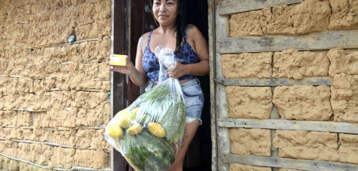 Jackeline Santos, beneficiárias do programa Bolsa Família