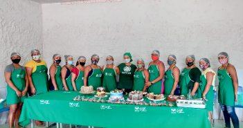 Mulheres da Vila Patauá se formam em cursos de Decoração de Bolos e Artesanato